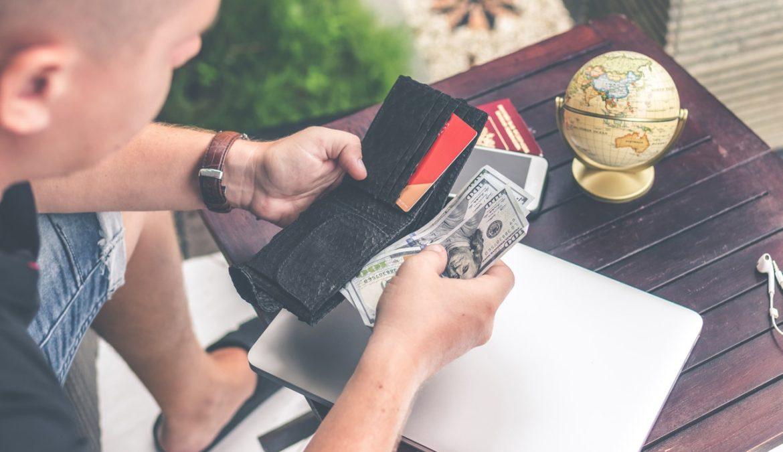 Milenial: Beli Rumah dengan KPR atau Cash?